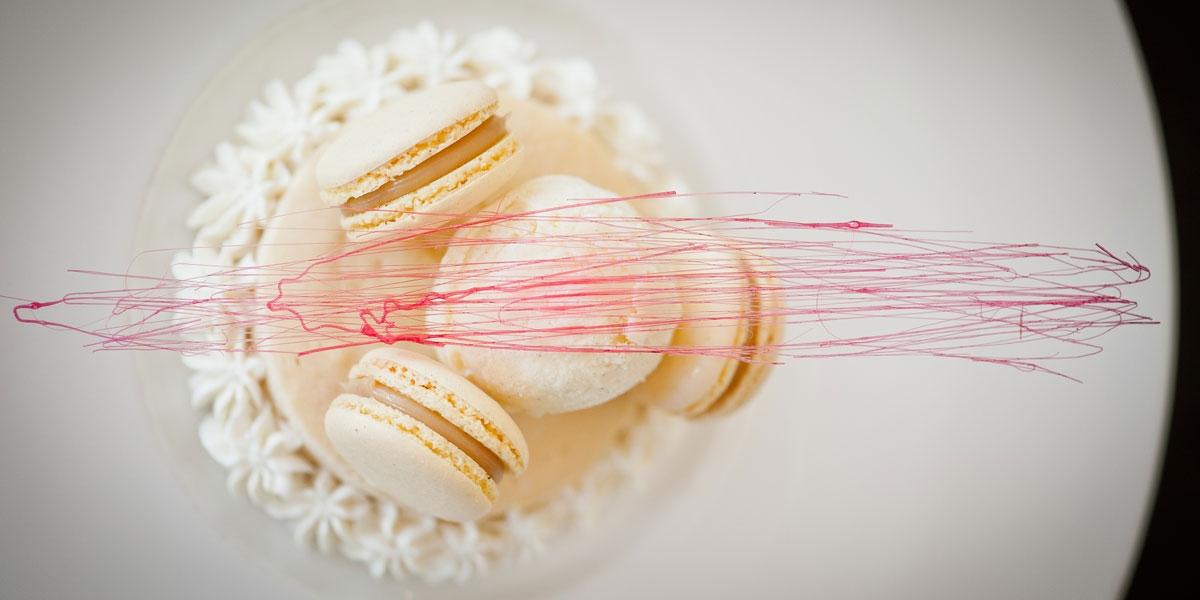 Dessert macarons